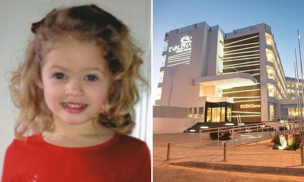 Người mẹ mải nghe điện thoại không để ý, chỉ 5 phút sau bi kịch ập đến với cô con gái nhỏ 4 tuổi - Ảnh 1.