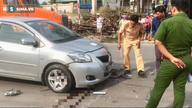 Va chạm liên hoàn với 2 ô tô, vợ chết chồng nguy kịch khi đang trên đường tới công ty làm việc - Ảnh 3.