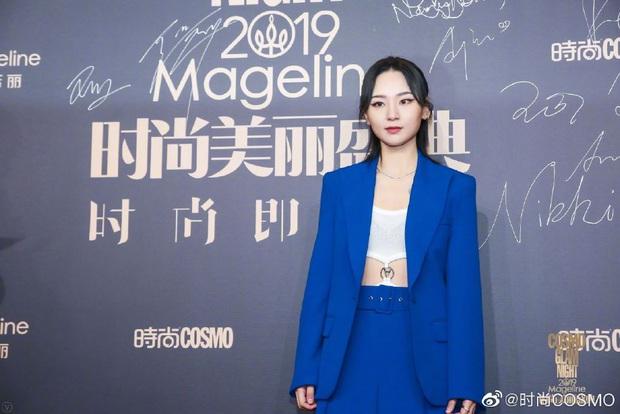 Thảm đỏ khủng quy tụ 100 sao Hoa-Hàn: Nhiệt Ba - HyunA sexy nổ mắt, Yoona đẹp tựa công chúa, Thẩm Nguyệt thất vọng - Ảnh 49.