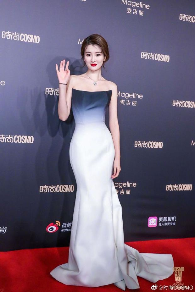 Thảm đỏ khủng quy tụ 100 sao Hoa-Hàn: Nhiệt Ba - HyunA sexy nổ mắt, Yoona đẹp tựa công chúa, Thẩm Nguyệt thất vọng - Ảnh 24.