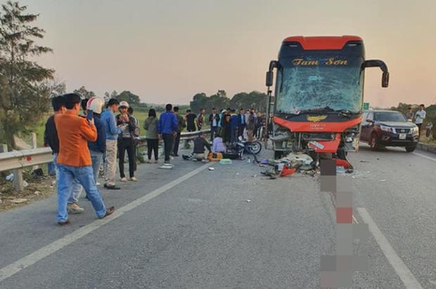 Xuống đóng cốp ô tô, nữ phụ xe chết thảm sau tai nạn liên hoàn trên cao tốc - Ảnh 1.