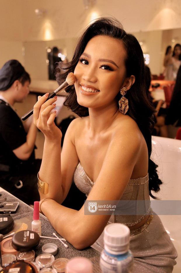 Đột nhập hậu trường Bán kết Hoa hậu Hoàn vũ Việt Nam: Thúy Vân và dàn thí sinh tự tin khoe sắc trước đêm thi quan trọng - Ảnh 14.