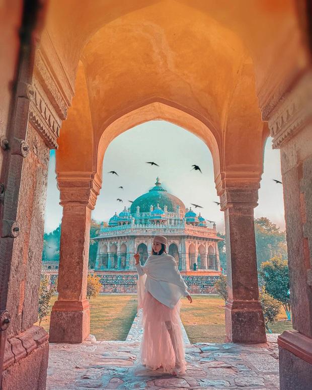 """Loạt hình du lịch Ấn Độ của vợ chồng Minh Nhựa lại bị dân tình soi ra dùng app ghép mây trời - cánh chim, chỉnh màu thì quá """"gắt"""" - Ảnh 9."""
