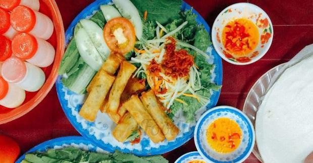"""Đi Đà Nẵng nhớ cẩn thận kẻo phải """"lăn về"""" ở 4 khu phố ẩm thực tràn ngập món ngon nức tiếng - Ảnh 1."""