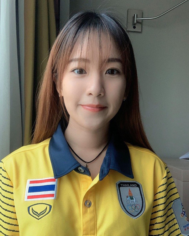 Đại chiến nhan sắc chẳng kém hot girl của những cô nàng bác sĩ trị liệu Việt Nam - Thái Lan tại SEA Games 2019 - Ảnh 1.