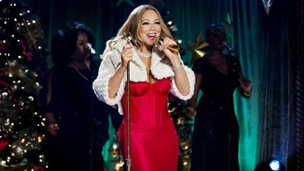 Khi Diva đấu Diva: Siêu phẩm Giáng sinh của Mariah Carey đến hẹn vẫn trồi lên còn Celine Dion sở hữu album… rớt hạng thảm hại nhất lịch sử - Ảnh 6.