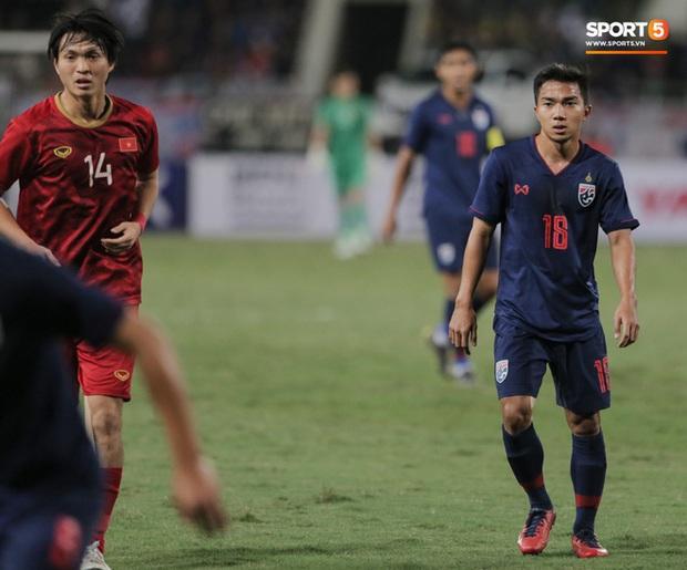 Messi Thái Lan phát biểu đầy tranh cãi: Cầu thủ Việt Nam luôn thi đấu quyết tâm vì nghèo hơn chúng tôi, fan Việt lập tức hiến kế độc giúp bóng đá Thái trở lại thời huy hoàng - Ảnh 7.