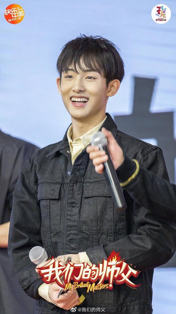 Idol bị đối xử bất công nhất SM: Lên hình ít nhất nhóm, bị cấm hát, nhảy solo dù từng là ngôi sao được công ty chiêu mộ 7 lần - Ảnh 5.