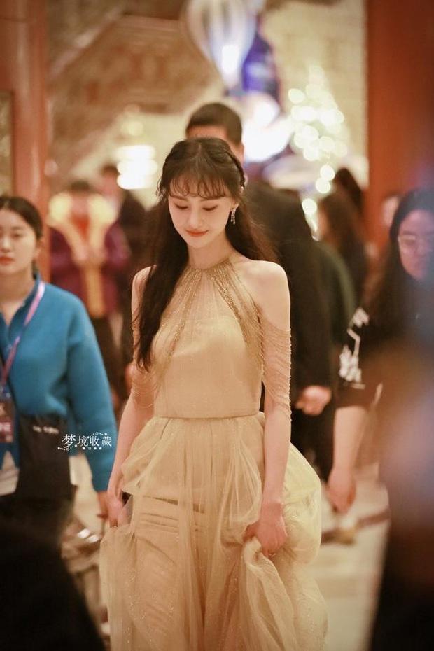 Nữ hoàng thảm đỏ 2019: Nghê Ni - Angela Baby so kè khốc liệt, Nhiệt Ba - Trịnh Sảng và nhân tố mới nhăm nhe ngôi vị - Ảnh 16.