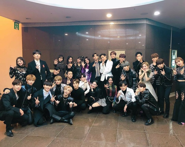 Năm 2019 đầy ám ảnh của fan JYP: Idol bất ổn từ thể chất tới tinh thần; người rời nhóm, người chấn thương, kiệt sức phải ngừng hoạt động - Ảnh 1.