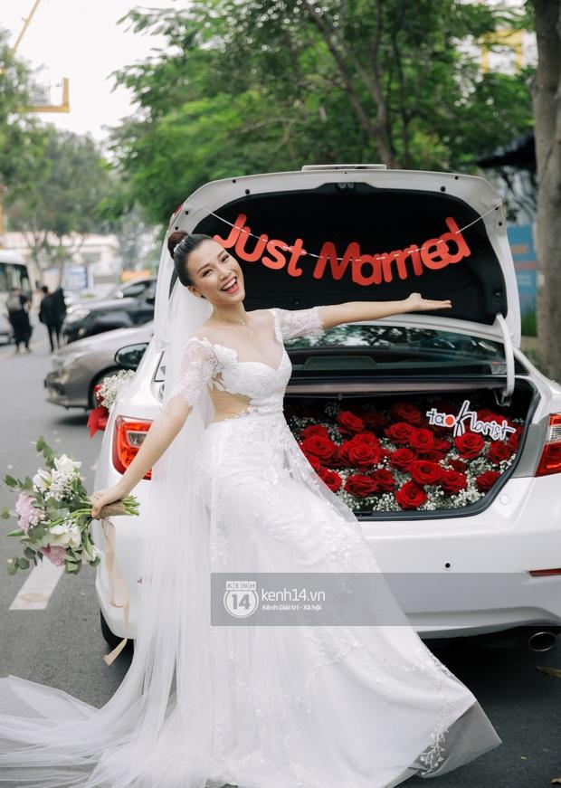 Top 5 đám cưới khủng nhất Vbiz năm 2019: Đông Nhi - Ông Cao Thắng lầy và đắt đỏ nhất, Cường Đô La bê cả dàn siêu xe loá mắt - Ảnh 18.