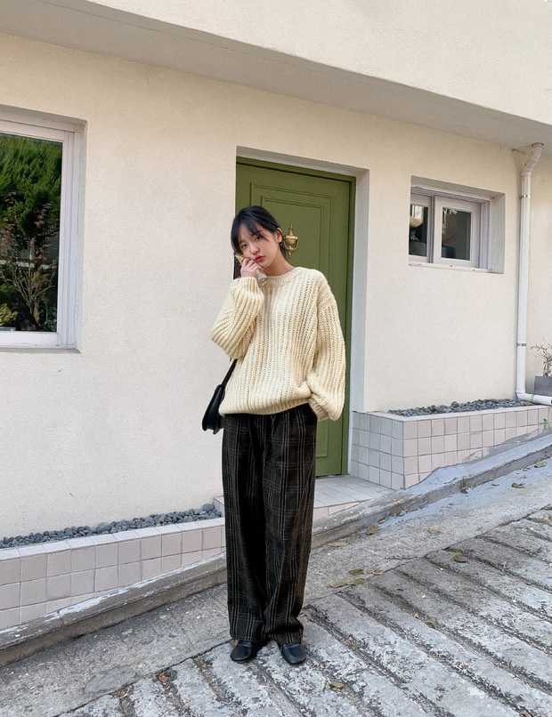 Combo áo len + quần ống suông đang phủ sóng khắp chốn và 3 cách diện không lo bị dìm chiều cao tơi tả - Ảnh 6.