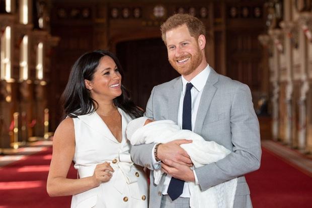Nhìn lại những khoảnh khắc vui vẻ đáng nhớ của Hoàng gia Anh trong một năm 2019 đầy sóng gió với nhiều lùm xùm, bê bối - Ảnh 6.