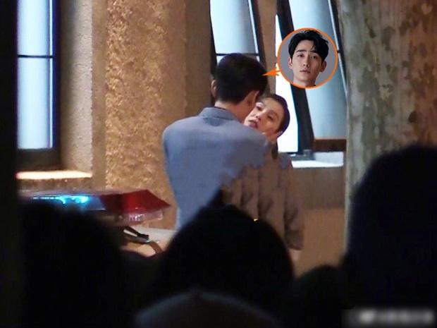 Lưu Thi Thi quay cảnh hôn với Chu Nhất Long, Ngô Kỳ Long tức tốc tới tận phim trường canh chừng vợ - Ảnh 3.