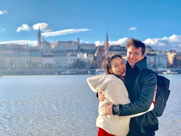 Đăng status mừng năm mới, MC Hoàng Oanh ngấm ngầm thừa nhận mang thai con đầu lòng với chồng Tây sau 1 tháng kết hôn? - Ảnh 2.