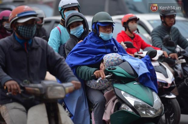 Ảnh: Nhiều tuyến đường cửa ngõ Hà Nội và Sài Gòn ùn tắc nghiêm trọng trong chiều cuối năm - Ảnh 7.
