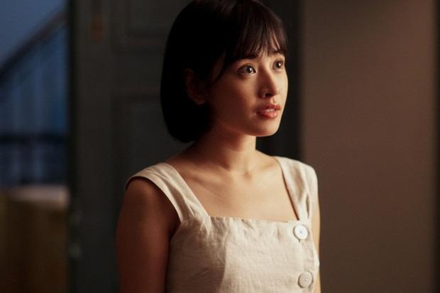 Nhìn lại vai diễn khởi nghiệp 5 mỹ nhân màn ảnh Việt: Thanh Hằng tắm trắng thành công, Chi Pu xinh xuất sắc từ đầu - Ảnh 7.