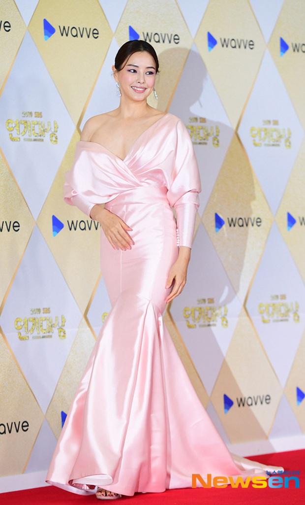 Siêu thảm đỏ SBS Drama Awards 2019: Jang Nara đẹp nức nở, Suzy lấn át cả Hoa hậu Hàn hở bạo và dàn minh tinh quyền lực - Ảnh 8.