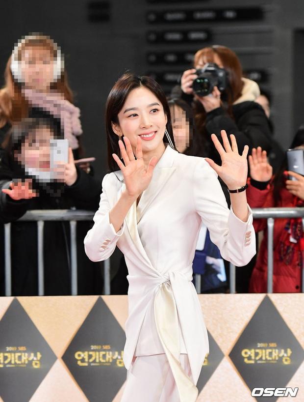 Siêu thảm đỏ SBS Drama Awards 2019: Jang Nara đẹp nức nở, Suzy lấn át cả Hoa hậu Hàn hở bạo và dàn minh tinh quyền lực - Ảnh 13.