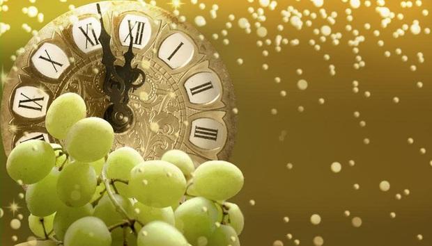Những truyền thống đón Năm mới độc đáo trên khắp thế giới - Ảnh 1.