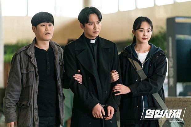 Jang Nara vừa khóc vừa cười ẵm giải bự, phim bạc tỉ Vagabond bất ngờ thua đậm tại SBS Drama Awards 2019 - Ảnh 3.