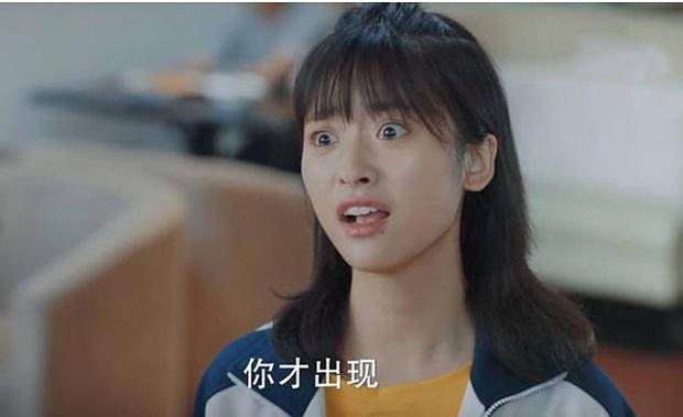 6 màn diễn xuất thảm họa của showbiz Hoa Ngữ 2019: Ngô Cẩn Ngôn khóc như đau đẻ, nụ hôn đồ ăn gây sốc vì mất vệ sinh - Ảnh 5.