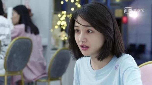 6 màn diễn xuất thảm họa của showbiz Hoa Ngữ 2019: Ngô Cẩn Ngôn khóc như đau đẻ, nụ hôn đồ ăn gây sốc vì mất vệ sinh - Ảnh 8.