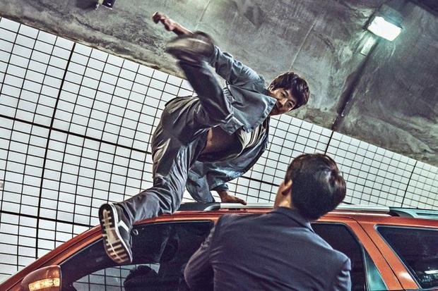 Điện ảnh Hàn đầu năm đã nhộn nhịp vì cuộc chiến của loạt sao hạng A: Lee Byung Hun và Kwon Sang Woo bên nào sẽ thắng thế? - Ảnh 13.