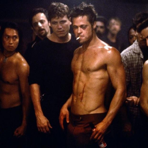 Soi vòng một lực lưỡng của 10 soái ca Hollywood: Sốc trước thời còn son của ông chú bụng bia Leonardo DiCaprio - Ảnh 15.