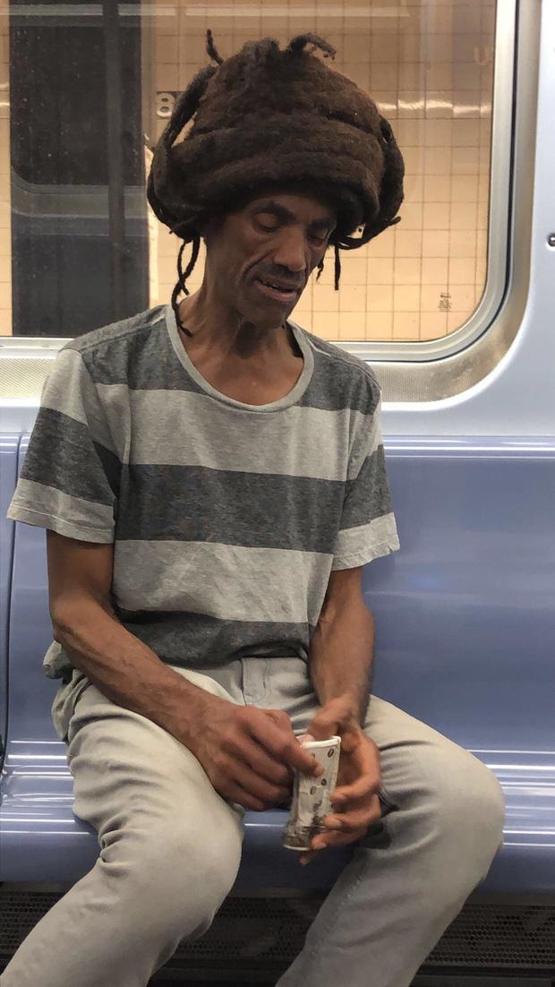 20 kiểu đầu độc dị chứng minh đừng ai dại mà làm phật lòng anh thợ cắt tóc những khi muốn thay đổi diện mạo mới - Ảnh 4.