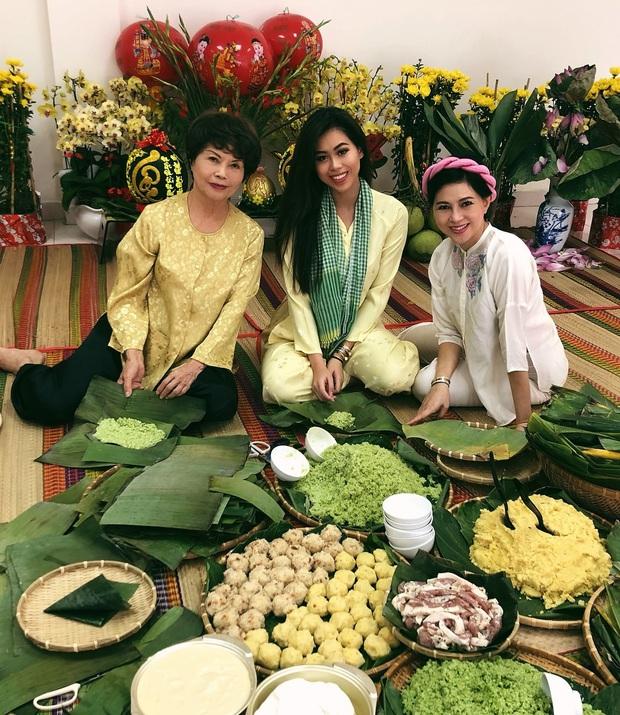 Đọ nữ công gia chánh của hội tiểu thư: Rành từ cắm hoa đến nấu ăn, bất ngờ nhất là Tiên Nguyễn biết gói bánh tét - Ảnh 1.