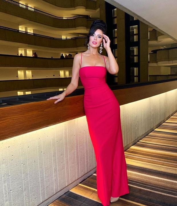 Hoàng Thùy ghi điểm khi thiết kế váy cho bạn cùng phòng, không cần đo mà vừa in không lệch chút nào - Ảnh 3.