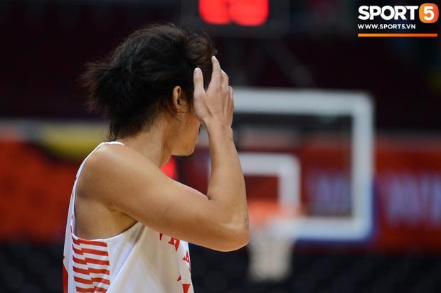 Fan nữ có tâm nhất quả đất của đội tuyển bóng rổ Việt Nam: Bay một mình hơn nghìn cây số chỉ để khuyên cầu thủ... cắt tóc cạo râu - Ảnh 7.