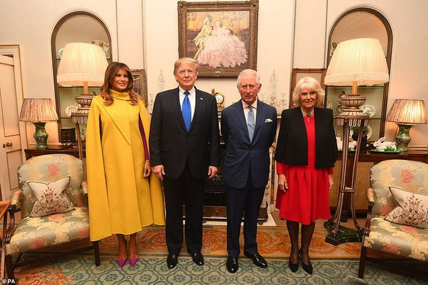 """Diện váy 30 triệu đồng, Công nương Kate """"cân"""" cả Hoàng gia Anh, đọ sắc với Đệ nhất phu nhân Mỹ - Ảnh 1."""