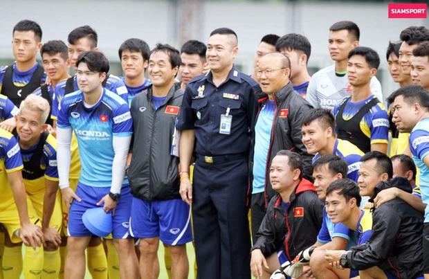 HLV Park Hang-seo và mối lương duyên kỳ lạ với người Thái - Ảnh 1.