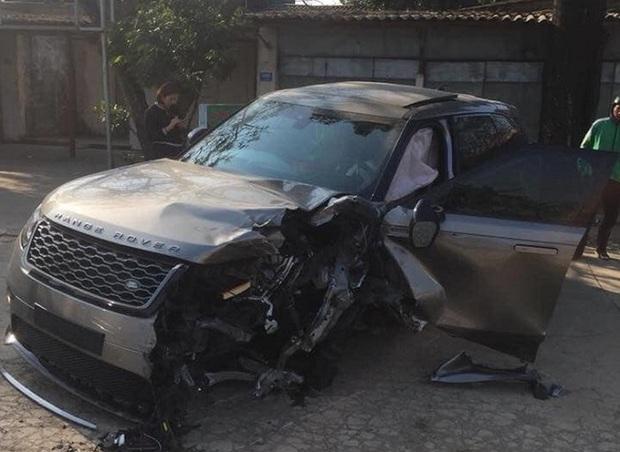 Xế sang Range Rover va chạm liên hoàn với 4 ô tô, xe máy - Ảnh 1.