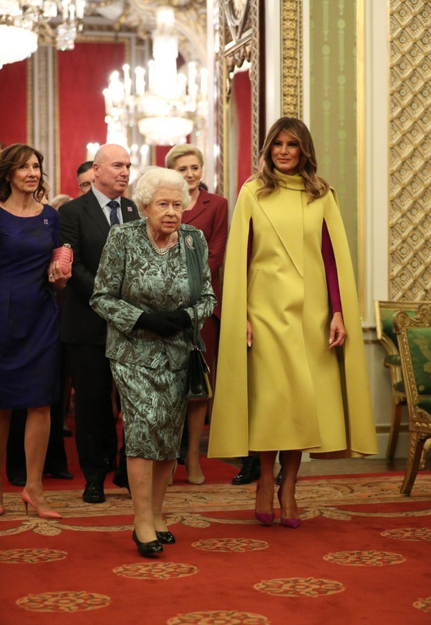 """Diện váy 30 triệu đồng, Công nương Kate """"cân"""" cả Hoàng gia Anh, đọ sắc với Đệ nhất phu nhân Mỹ - Ảnh 3."""