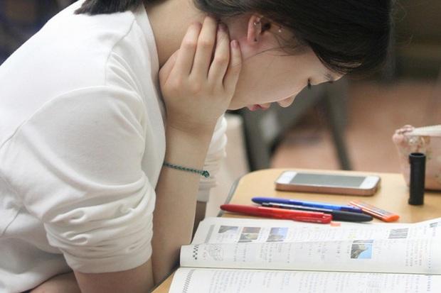 Áp lực phải thành công trong xã hội Hàn Quốc: Một lần thất bại là cả đời lụn bại và một thế hệ trẻ không hạnh phúc - Ảnh 3.