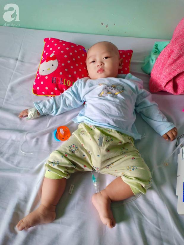Xót xa gia cảnh của người phụ nữ trầm cảm sau sinh, chồng cụt chân, con gái 6 tháng tuổi mắc ung thư, con trai thiểu năng trí tuệ - Ảnh 6.