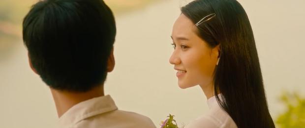 Trailer Mắt Biếc gây mê bằng loạt phân cảnh tình tứ của thầy Ngạn và Trà Long, sẽ là cái kết gây sốc chăng? - Ảnh 1.