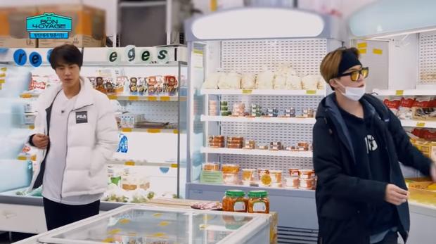 Du hí tận New Zealand nhưng BTS lại rủ nhau vào siêu thị mua toàn kimchi và mì Hàn Quốc - Ảnh 9.