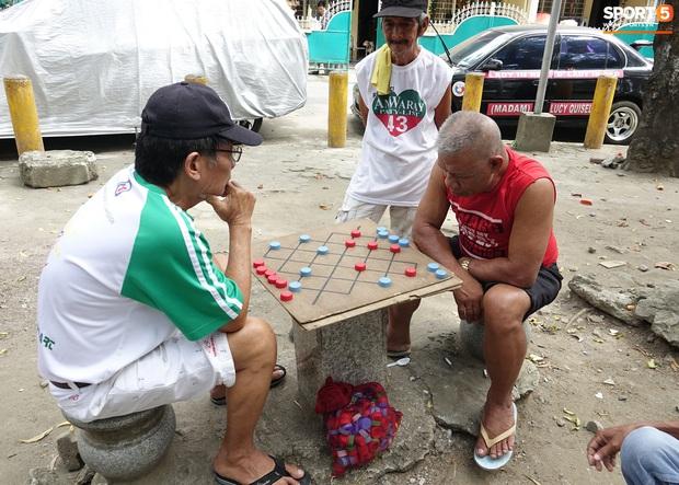 Xem môn cờ tự chế và nghe người dân Philippines nói về Việt Nam - Ảnh 3.