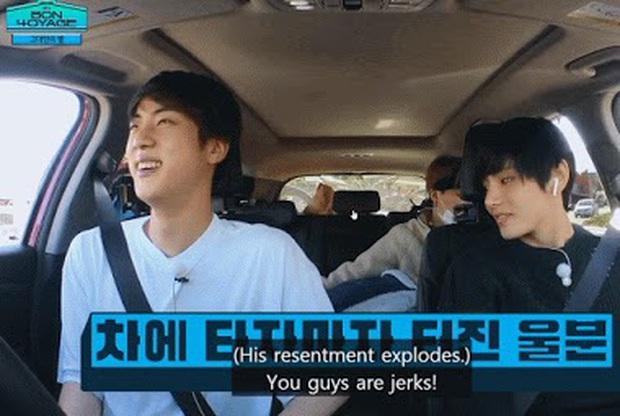 Hóa ra thủ phạm vụ bỏ rơi j-hope ở trạm xăng của BTS chính là... anh cả Jin! - Ảnh 4.