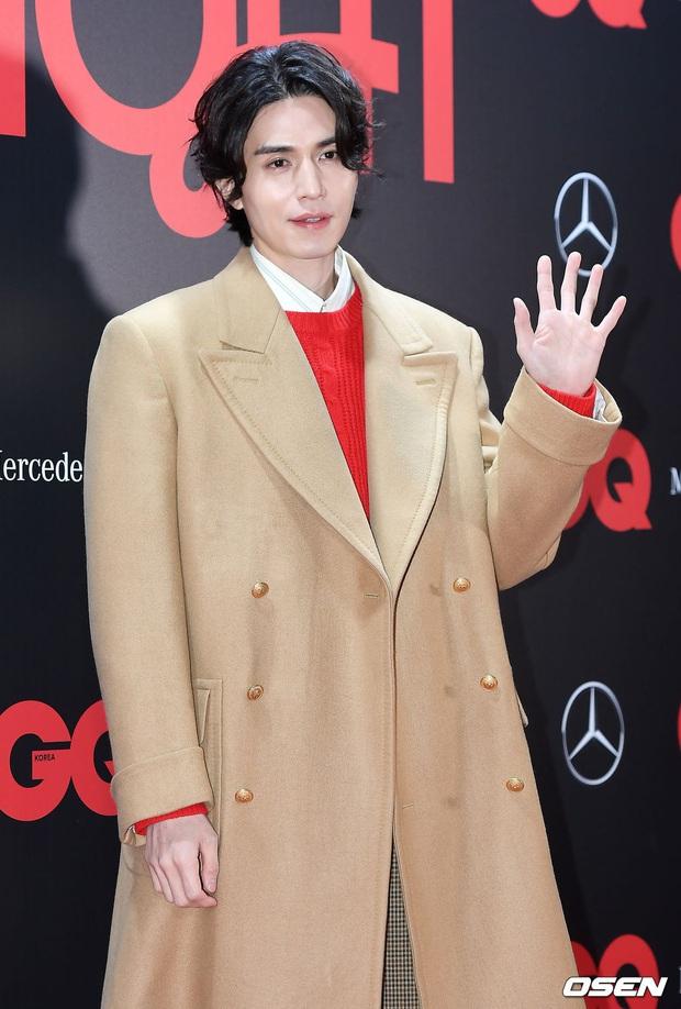 Sự kiện gây sốt: Đến Lee Dong Wook cũng phải kiêng dè trước nam thần Kpop, Son Dam Bi U40 vẫn trẻ đẹp ngỡ ngàng - Ảnh 5.