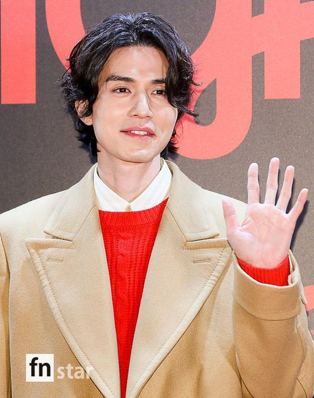 Sự kiện gây sốt: Đến Lee Dong Wook cũng phải kiêng dè trước nam thần Kpop, Son Dam Bi U40 vẫn trẻ đẹp ngỡ ngàng - Ảnh 2.