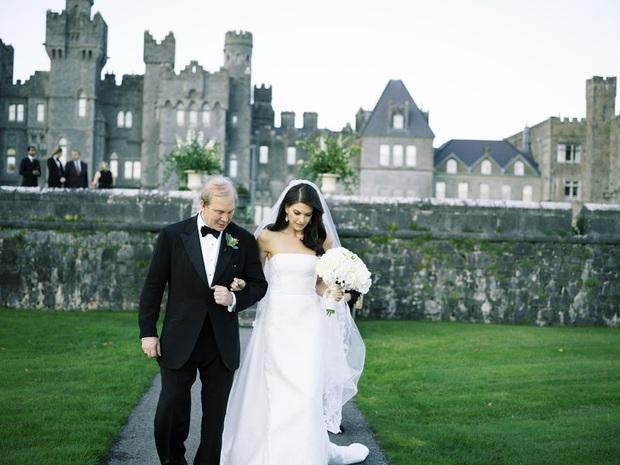 Chuyện tình bách hợp đẹp tựa cổ tích của nữ CDO Ralph Lauren: Gặp gỡ nhau qua một app hẹn hò, kết thúc bằng đám cưới trong một tòa lâu đài - Ảnh 4.