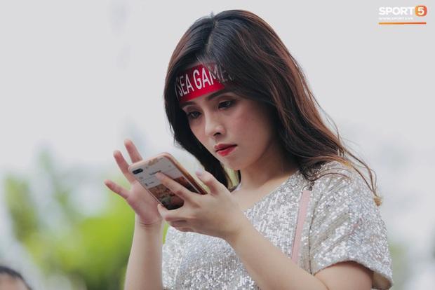 Fan Thái Lan bức xúc vì CĐV Việt Nam mua hết vé xem trận chung kết ngược - Ảnh 10.