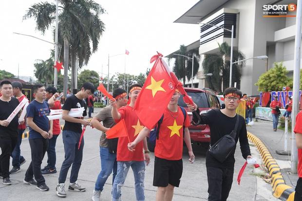 Fan Thái Lan bức xúc vì CĐV Việt Nam mua hết vé xem trận chung kết ngược - Ảnh 14.