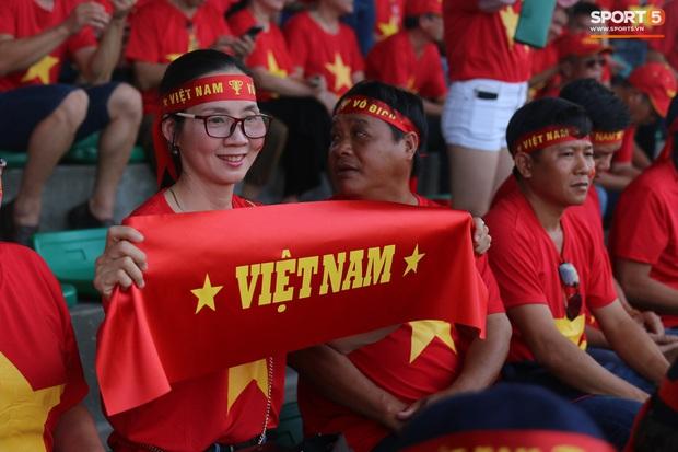 Fan Thái Lan bức xúc vì CĐV Việt Nam mua hết vé xem trận chung kết ngược - Ảnh 9.