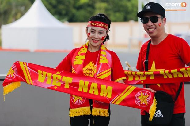 Fan Thái Lan bức xúc vì CĐV Việt Nam mua hết vé xem trận chung kết ngược - Ảnh 8.
